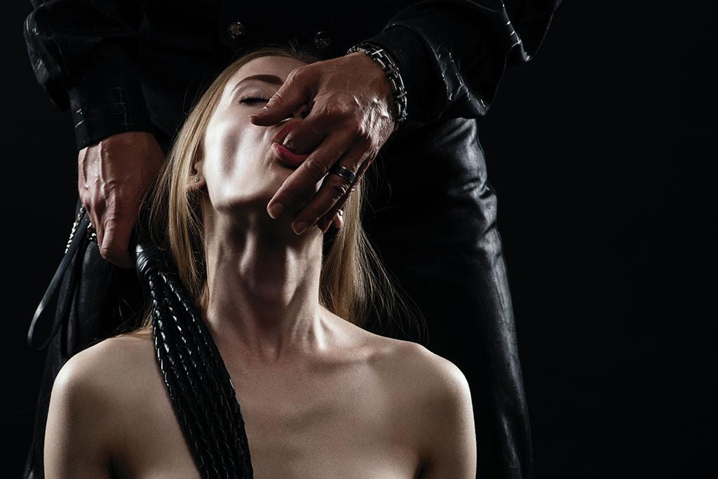 schiava sedotta da master